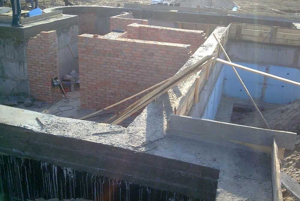 строительство цокольного этажа в доме